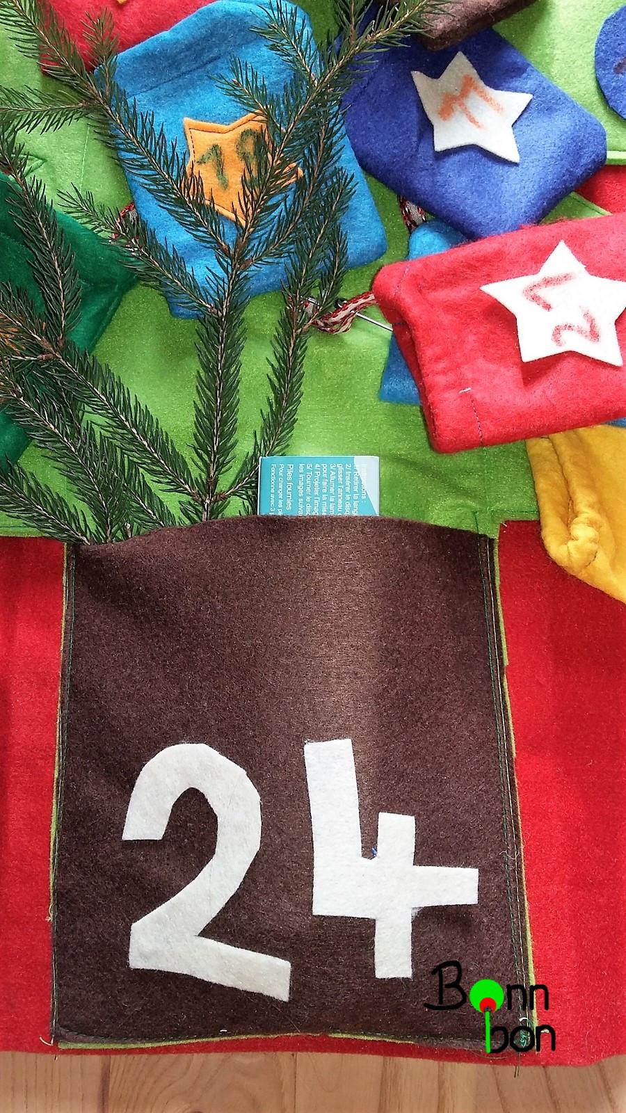24. Türchen als Baumstamm